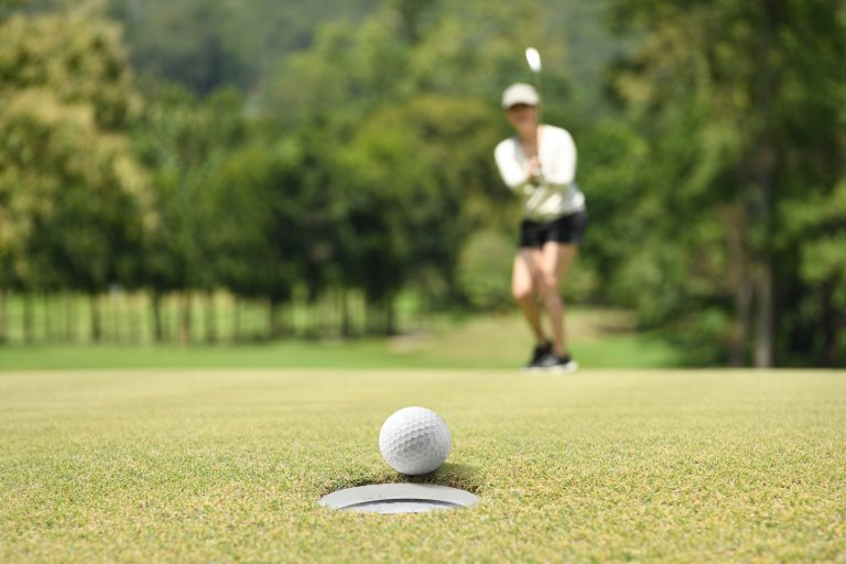 odds of getting a hole in one